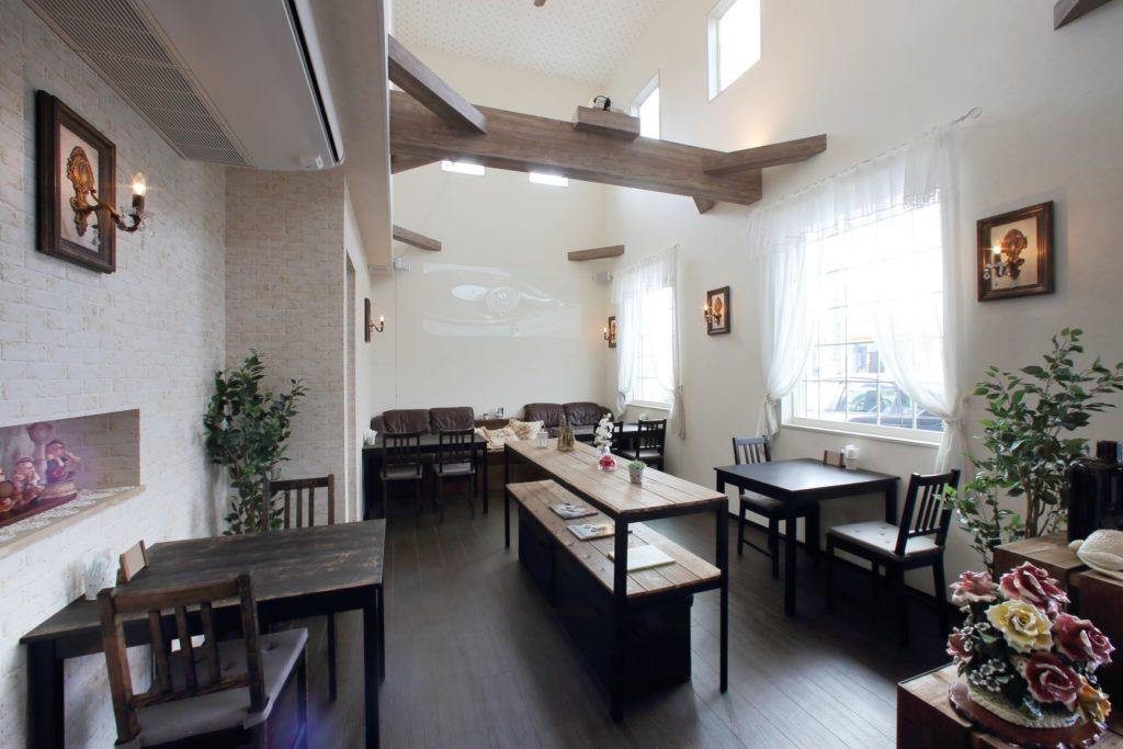 「生活スペースと店舗を併設、夫婦の夢をかなえる家」施工実例を公開しました。