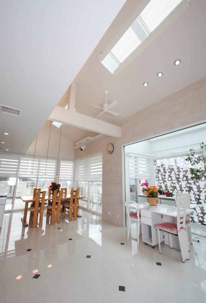 「白を基調とした高級感のある遊び心たっぷりの住まい」施工実例を公開しました。