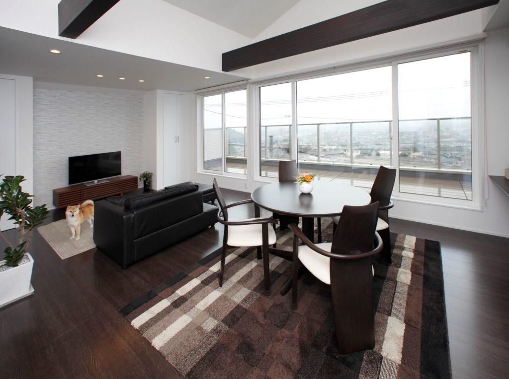 「高台2階のリビングからは夜景が一望できる贅沢な空間」施工実例を公開しました。